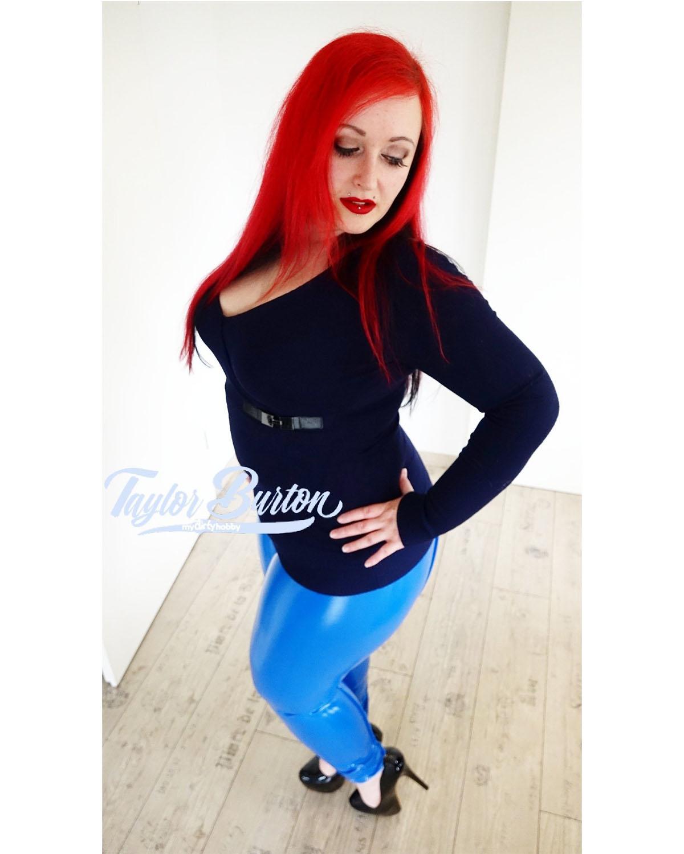 taylor-burton_sexy_posing